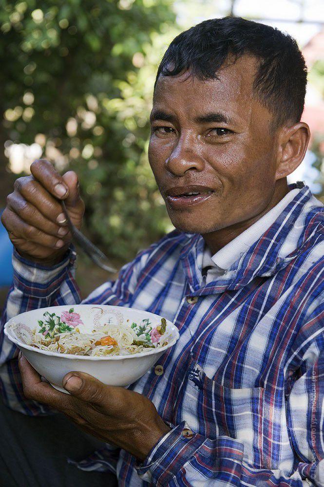свою аудиторию фото жителей камбоджи направления могут работать