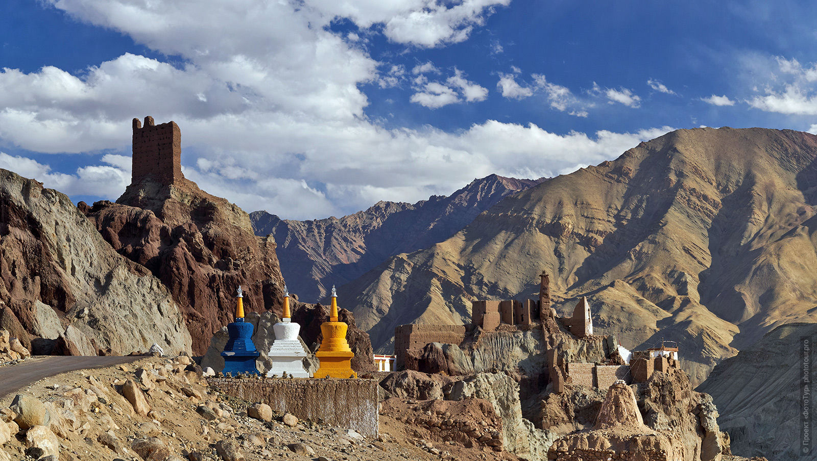 Stupas of the Basgo monastery. Expedition Tibet Lake-2: Pangong, Tso Moriri, Tso Kar, Tso Startsapak, Leh-Manali highway.
