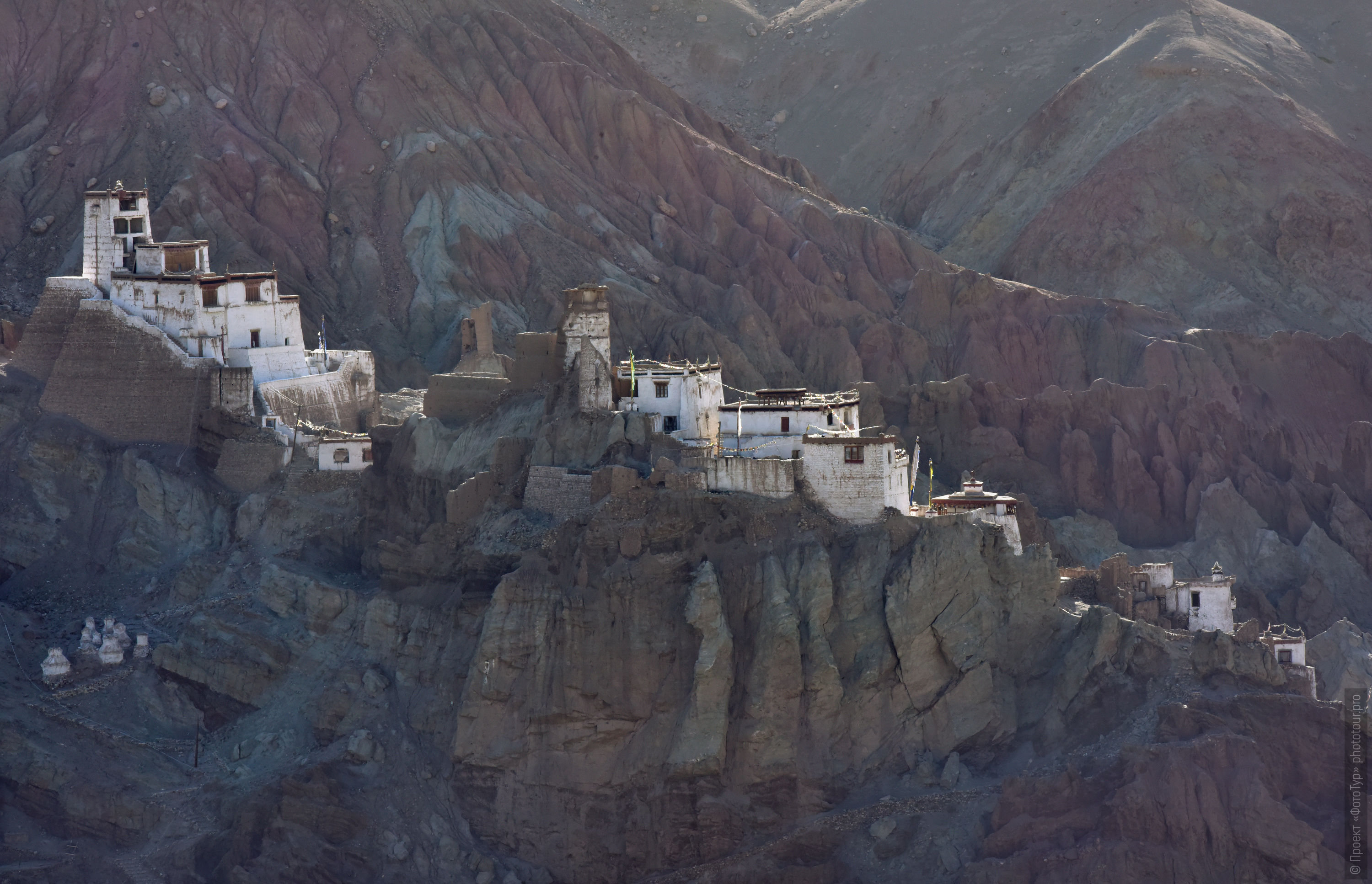 The Basco Monastery. Tour for artists in Tibet: Watercolor-1: Watercolor painting in Ladakh with Pavel Pugachev, 04.08. - 13.08. 2019.