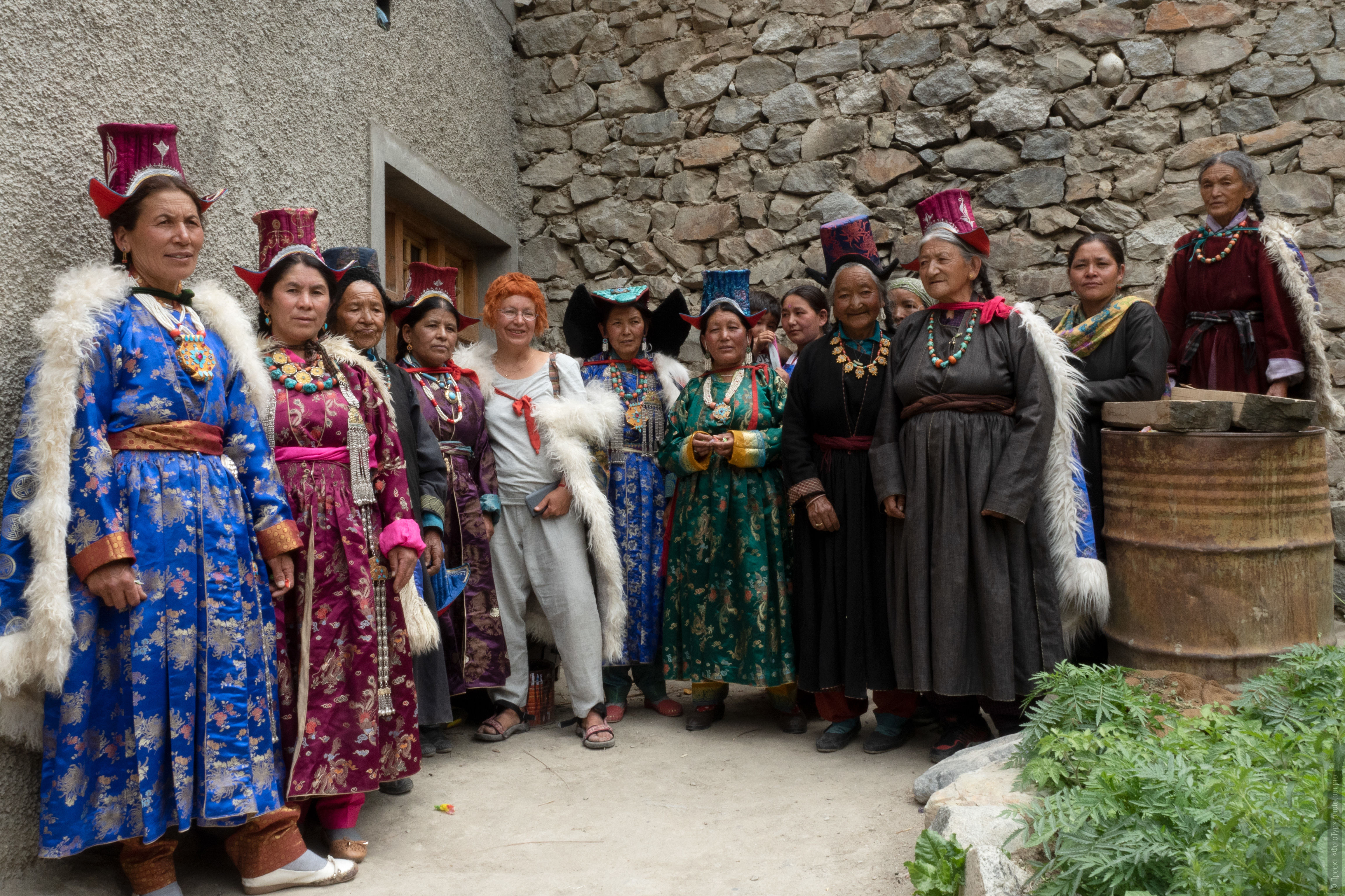 The ladies of the village Donkar. Ladakh Tour for women, travel and acquaintance with the culture of Tibetan matriarchy.
