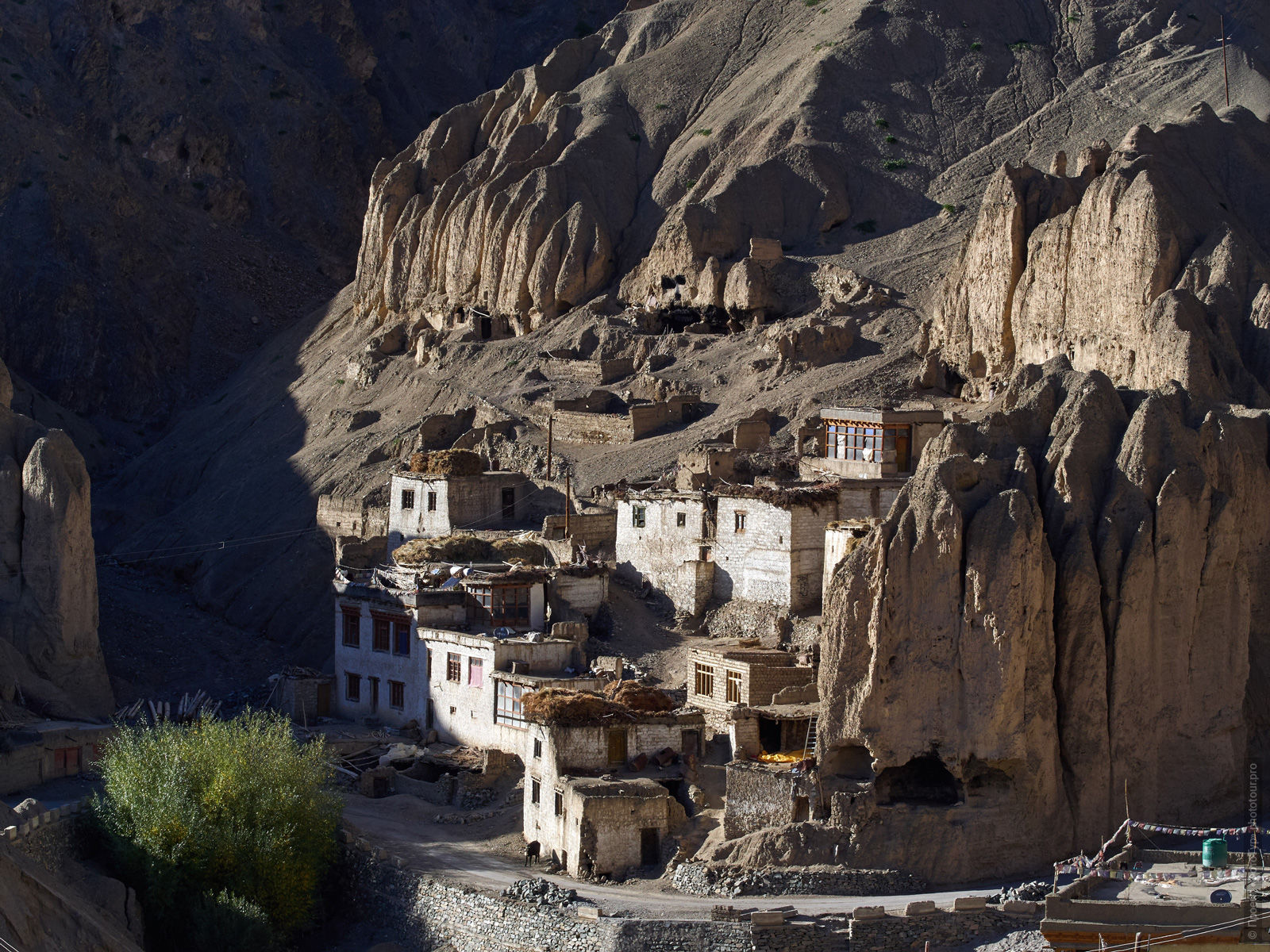 The village of Lamayuru. Tour for artists in Tibet: Watercolor-1: Watercolor painting in Ladakh with Pavel Pugachev, 04.08. - 13.08. 2019.