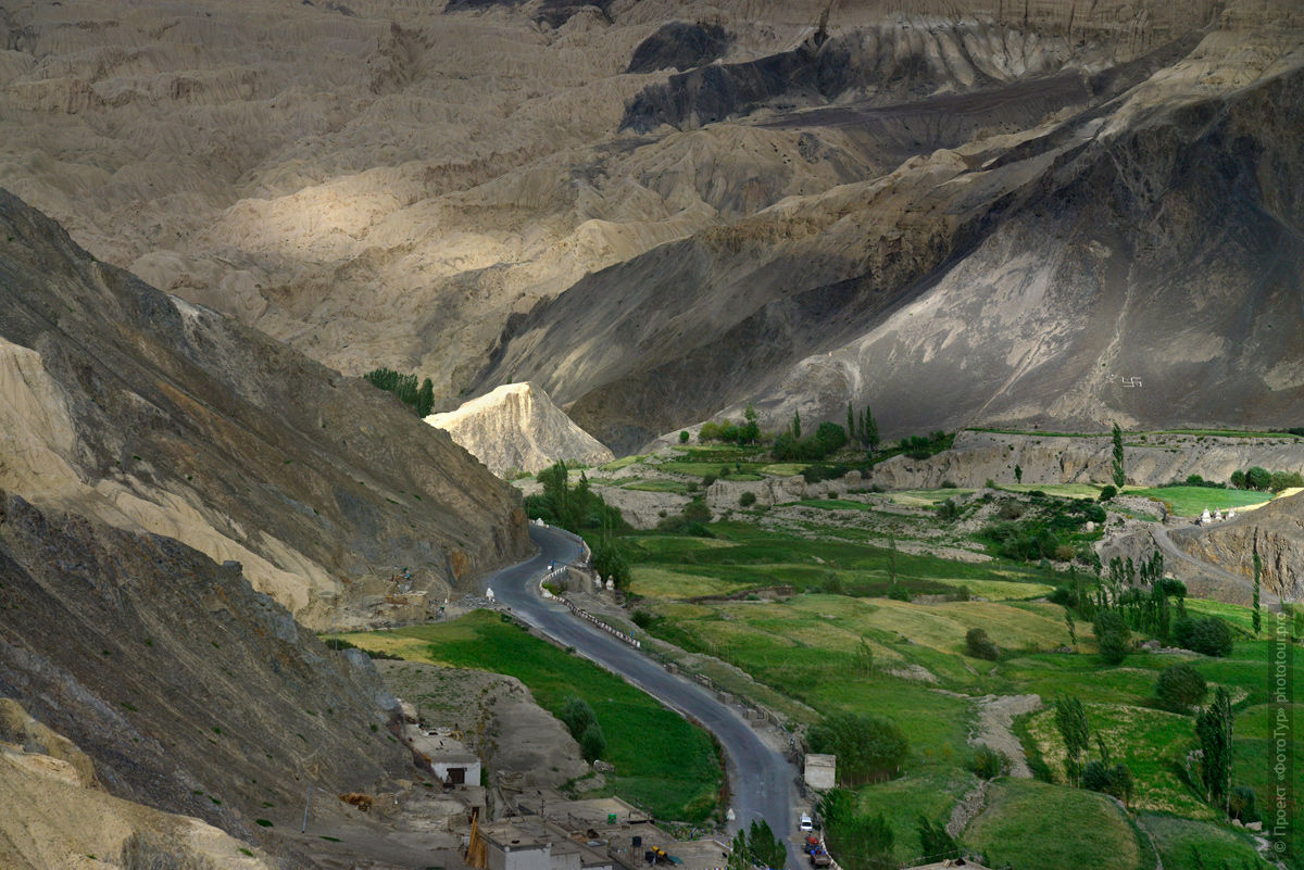 Lamayuru, Moon Land. Tour for artists in Tibet: Watercolor-1: Watercolor painting in Ladakh with Pavel Pugachev, 04.08. - 13.08. 2019.