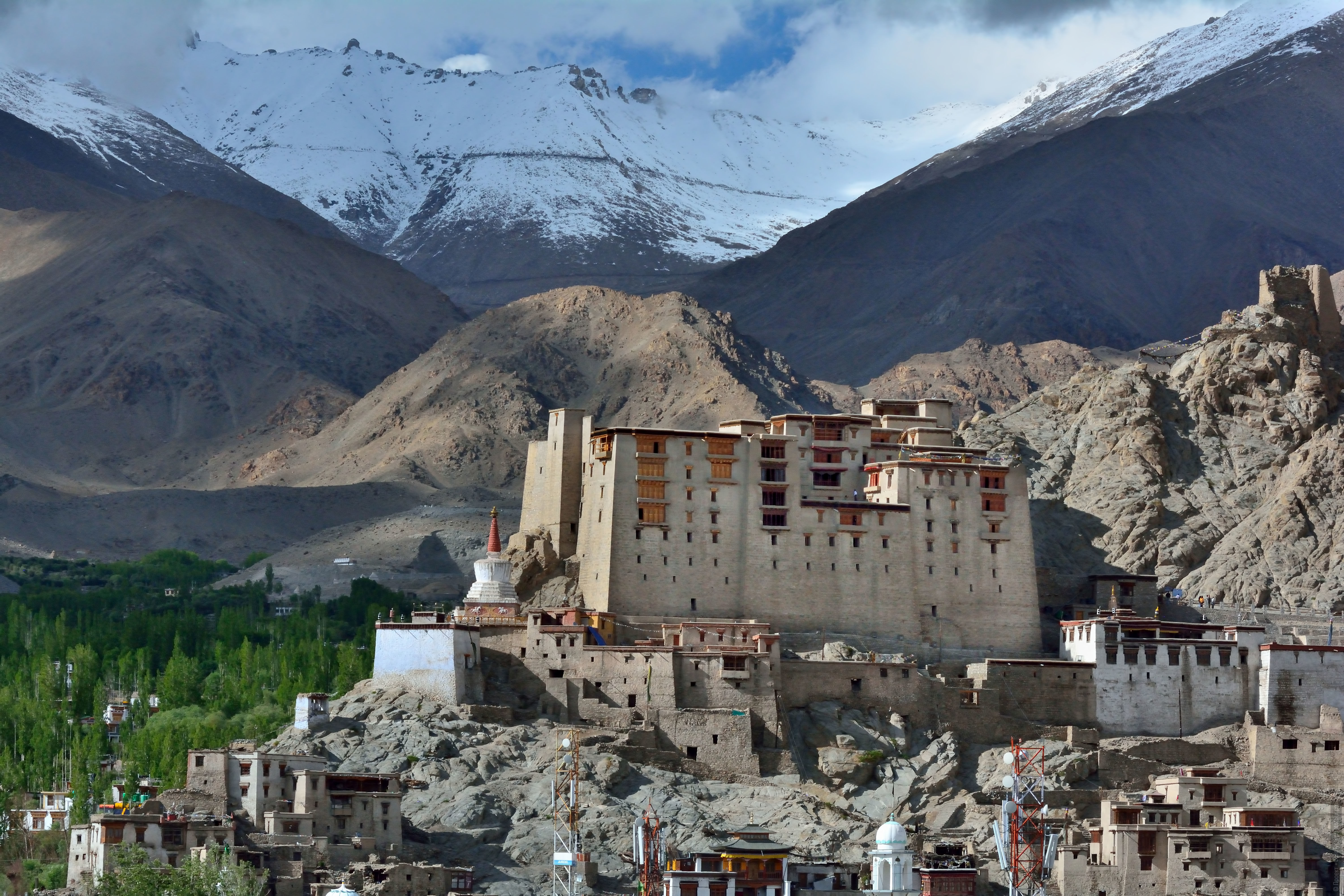 Royal Leh Palace, Ladakh. Photo tour / tour Tibet of Lake-1: Pangong, Tso Moriri, Tso Kar, Tso Chiagar, Dance of Tsam on Lake Pangong, 19.06. - 28.06.2021.