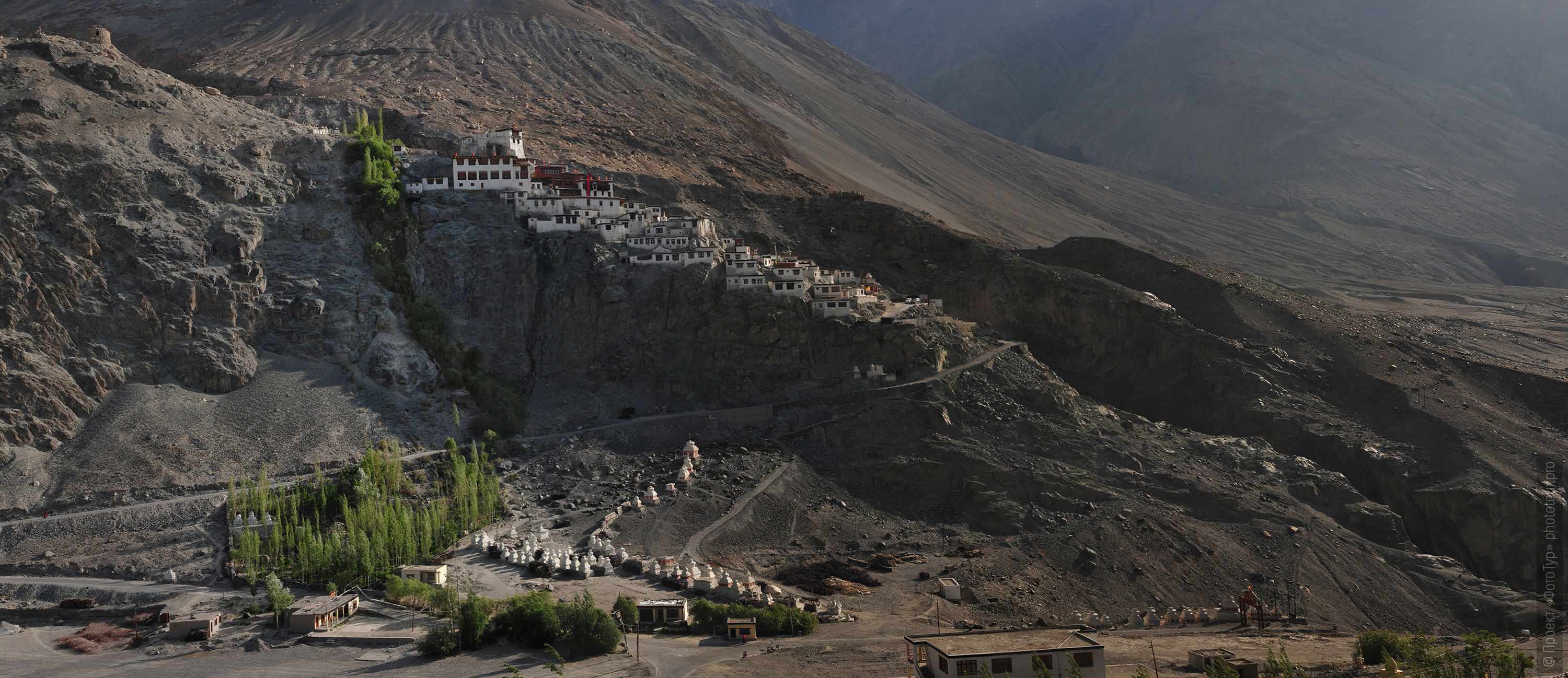Buddhist monastery of Diskit gompa. Tour Legends of Tibet: Ladakh, Lamayuru, Da Khan and Nubra, 19.09. - 28.09.2019.
