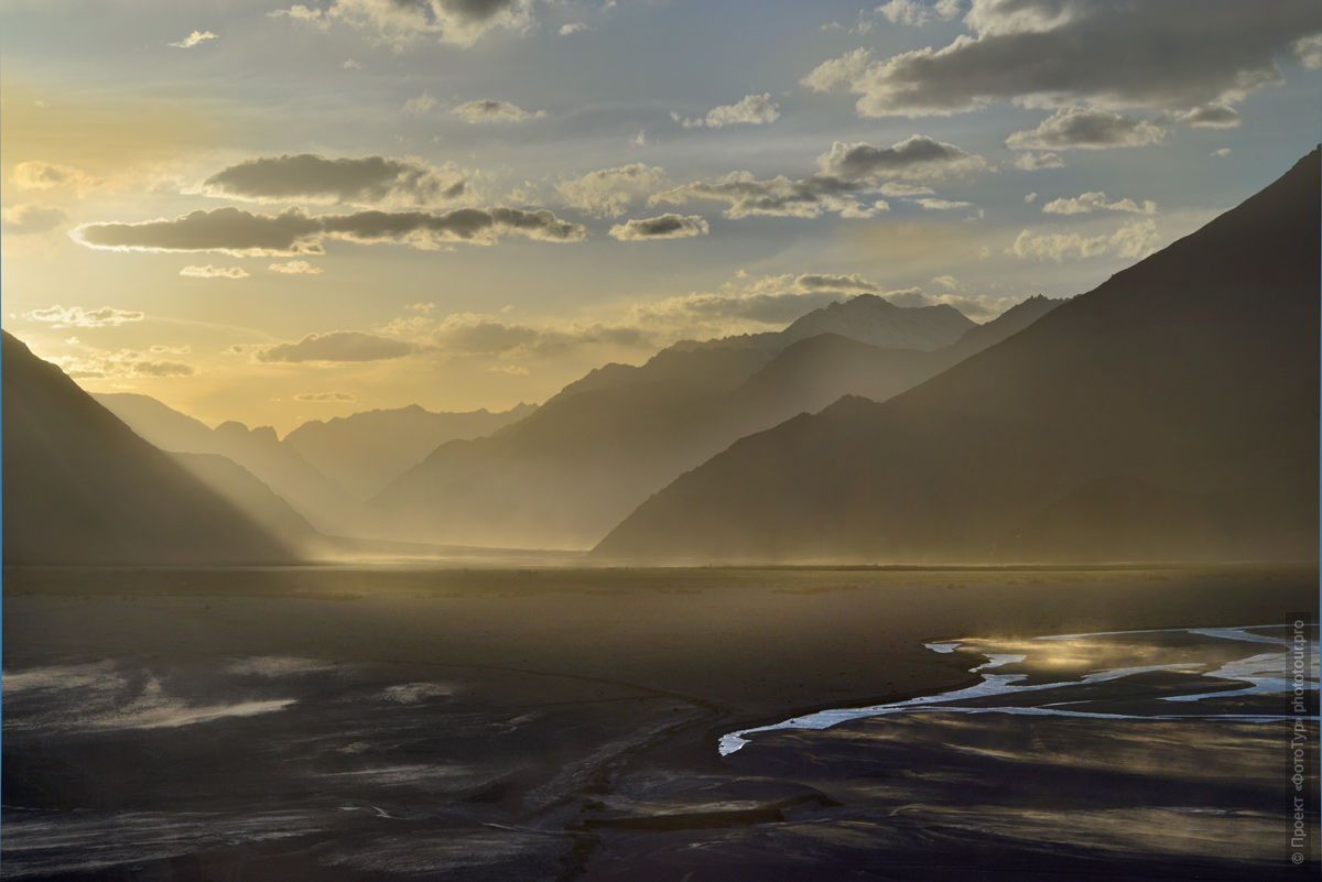 Sunset in the Nubra Valley. Expedition Tibet Lake-2: Pangong, Tso Moriri, Tso Kar, Tso Startsapak, Leh-Manali highway.