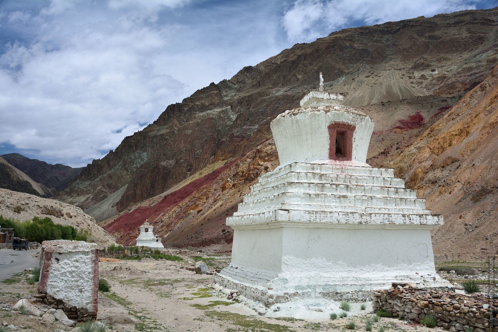 The village of Rumce. Tour for artists in Tibet: Watercolor-1: Watercolor painting in Ladakh with Pavel Pugachev, 04.08. - 16.08. 2018