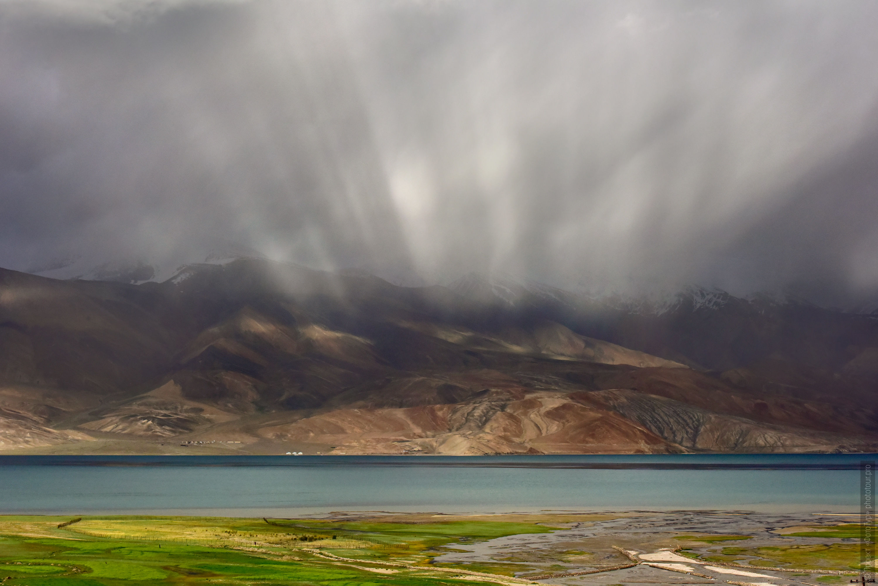hunderstorm on Lake Tso Moriri. Photo tour / tour Tibet of Lake-1: Pangong, Tso Moriri, Tso Kar, Tso Chiagar, Dance of Tsam on Lake Pangong, 19.06. - 28.06.2021.