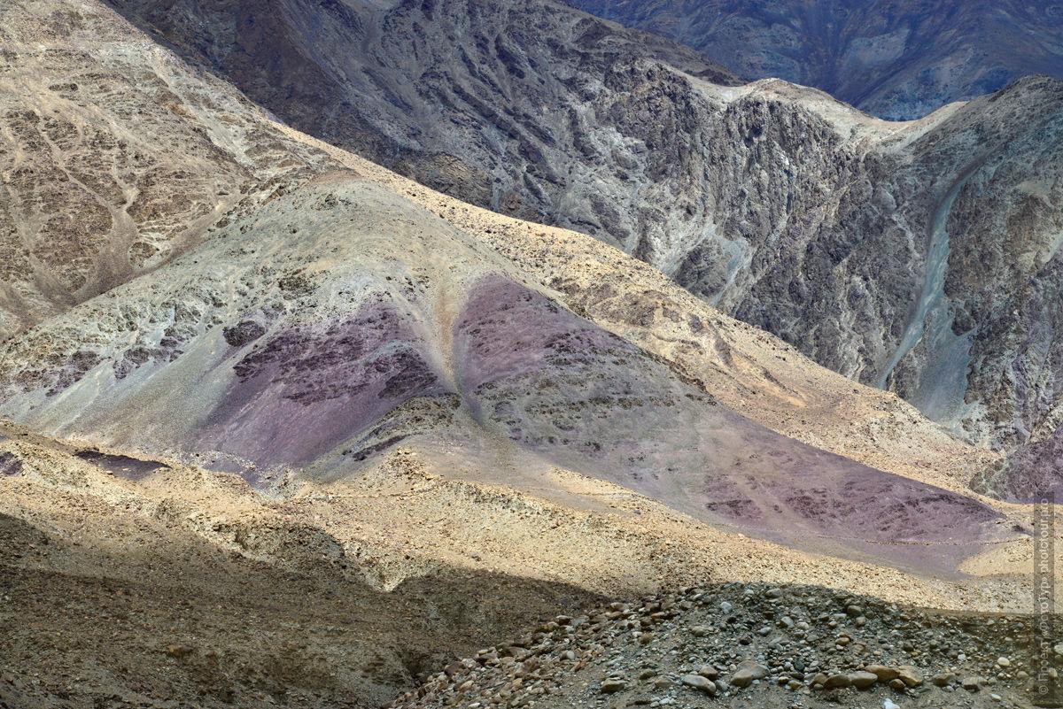 Фотография горных массивов Ладакха. Туры в Тибет.