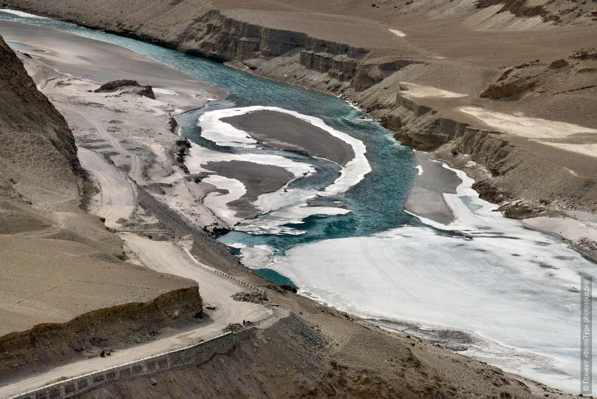 Слияние рек Инд и Занскар, Ладакх. Туры в индийский Тибет.