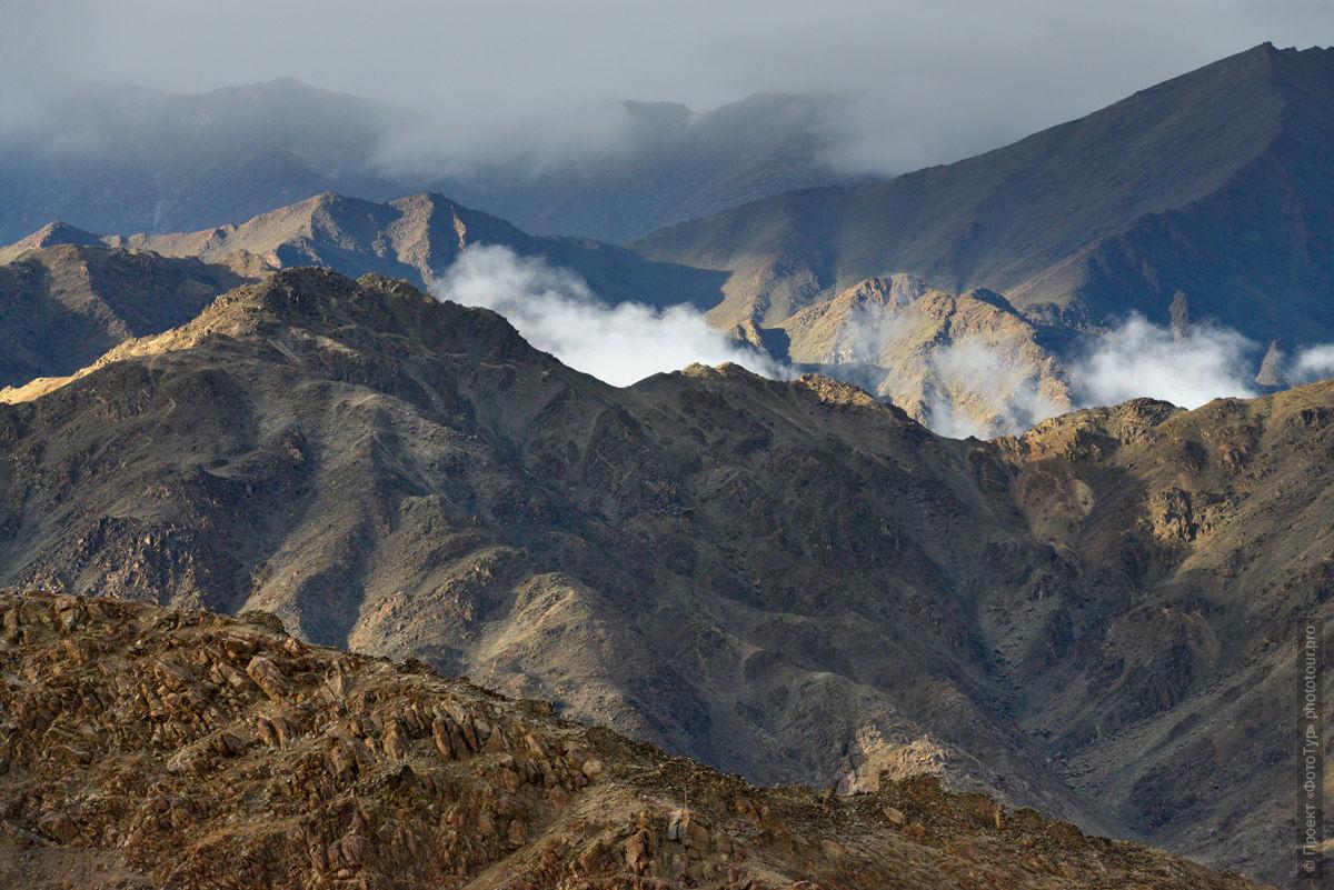 Ладакх: горы Ладакха. Тибет, Индия. Туры в Ладакх.