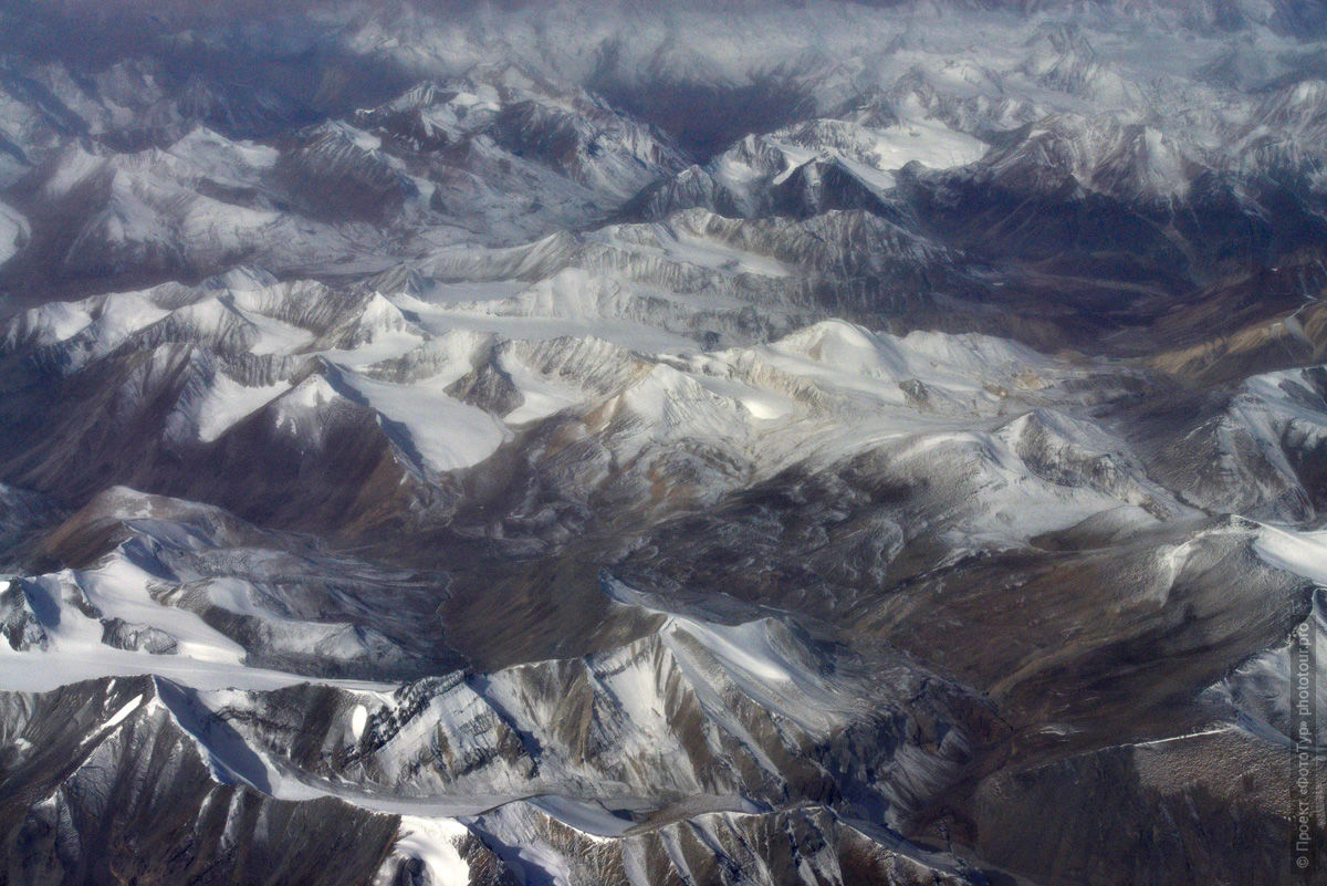The flight over the valley of Ladakh/ Tour Legends of Tibet: Ladakh, Lamayuru, Yes, Khan and Nubra, 19.09. - 28.09.2019