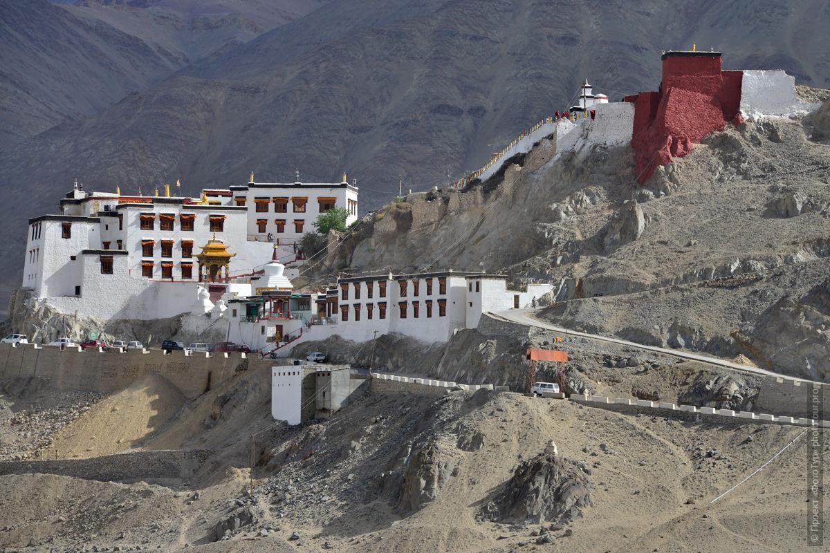 Буддийский монастырь Спитук Гонпа, Лех, Ладакх, Северная Индия.