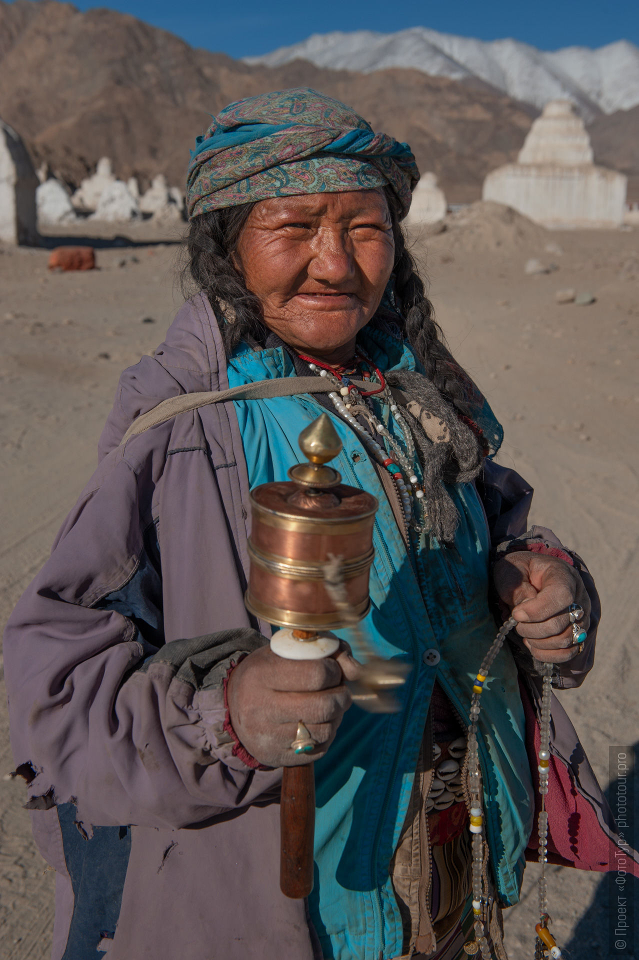 Tibetan grandmother during a retreat strike. Photo tour to Tibet for the Winter Mysteries in Ladakh, Stok and Matho monasteries, 01.03. - 03/10/2020