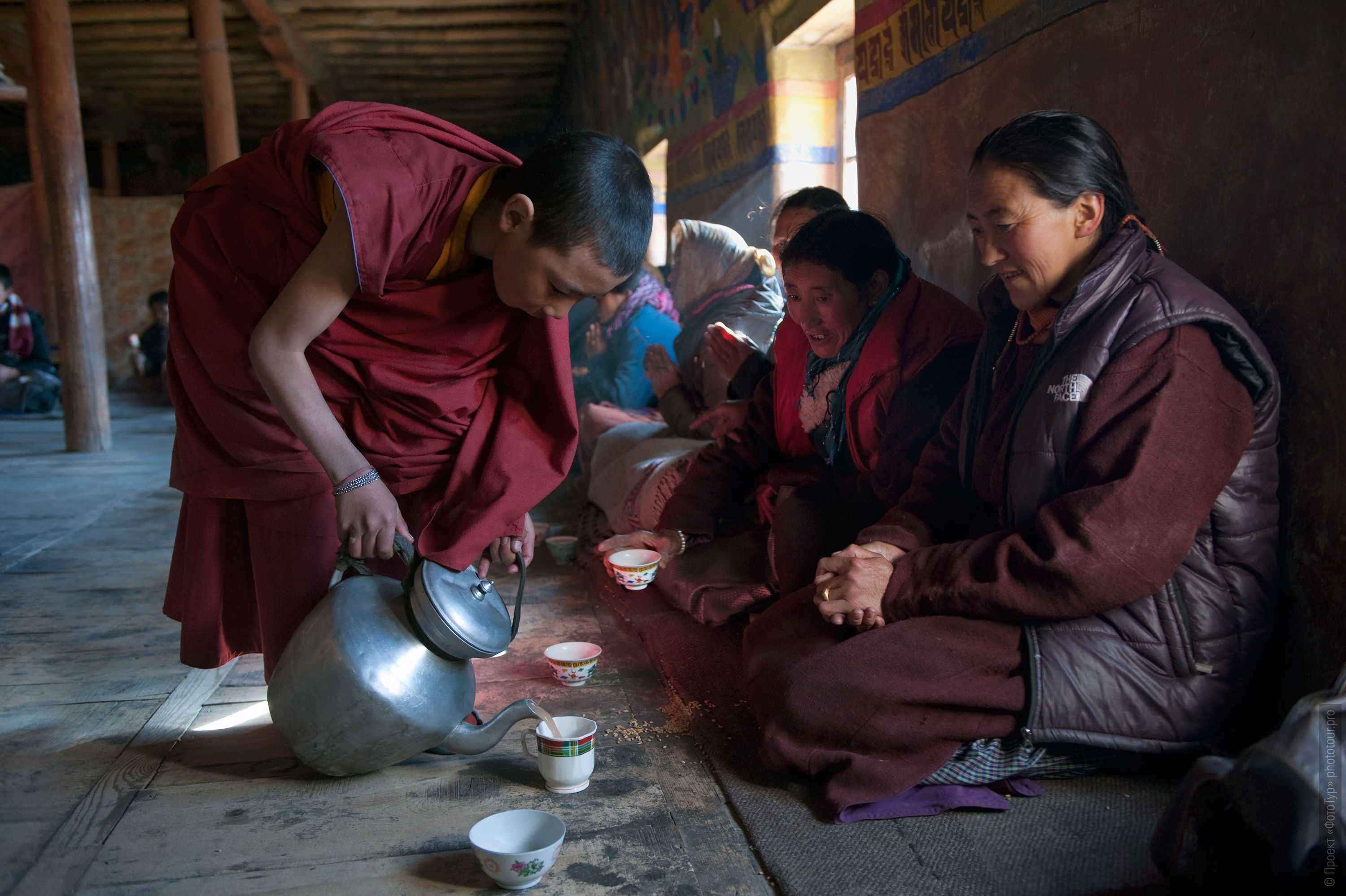 Tea drinking in Tiksi Gonpa. Photo tour to Tibet for the Winter Mysteries in Ladakh, Stok and Matho monasteries, 01.03. - 03/10/2020