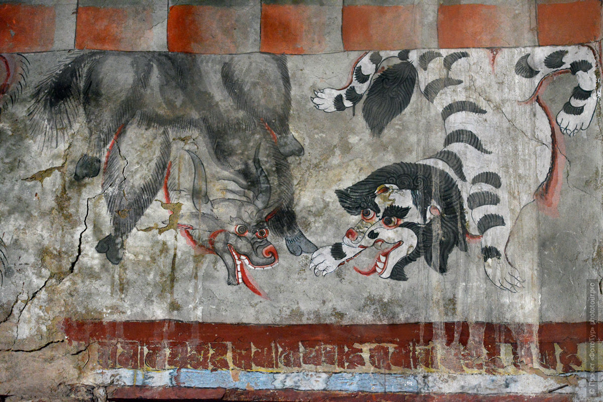 Ancient paintings in the Buddhist monastery of Tiksey Gonpa, photo tour of Ladakh, June 2019.